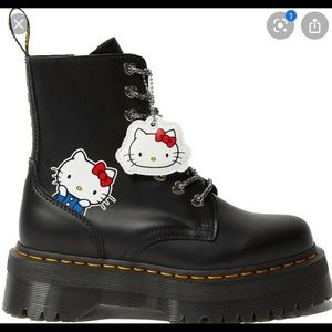 Dr. martens hello kitty boots Limited Edition